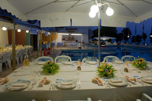 Hotel Ariston - ristorante all'aperto