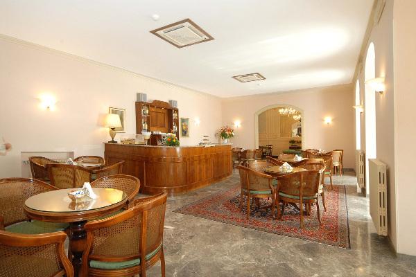 hotel-europa-bar