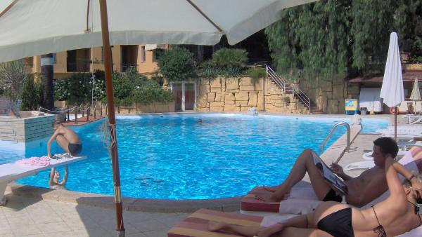 grand-hotel-de-londres-sanremo-piscina