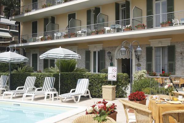 Hotel Paradiso - angolo esterno