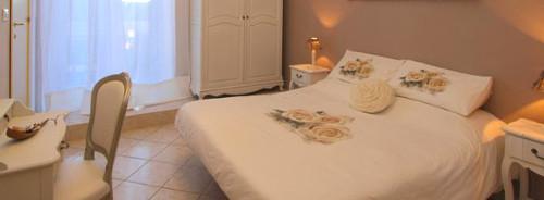 hotel cortese sanremo - prenota albergo in centro di fronte palafiori - book hotel cortese in Sanremo city center