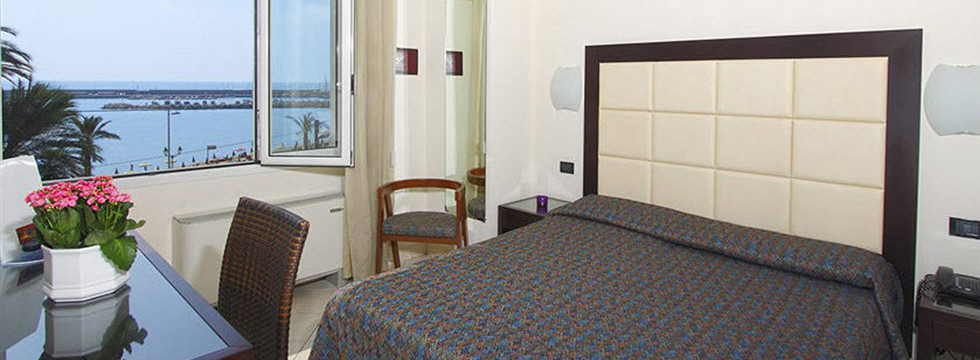 prenota hotel marinella - albergo vista mare a sanremo - book seaside resort in san remo for your summer holidays in italy